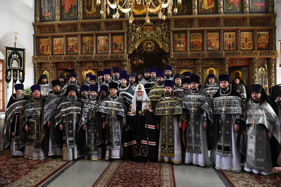 Права ношения наперсного креста золотого цвета удостоены семеро сотрудников Академии