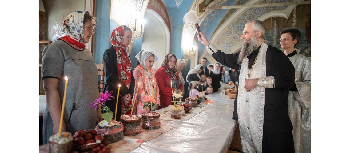 В Покровском академическом храме освятили куличи