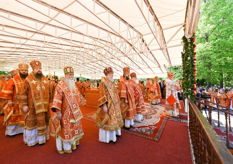 Архиепископ Амвросий сослужил Святейшему Патриарху Кириллу в праздник Собора новомучеников, в Бутове пострадавших