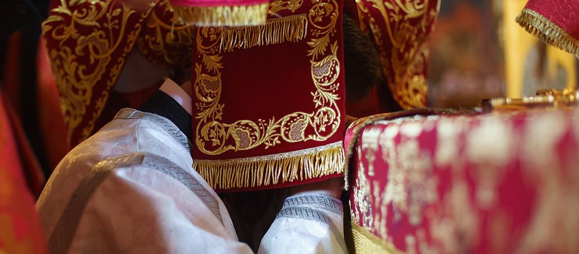 В Неделю о расслабленном в храмах Духовной академии совершены архиерейские богослужения
