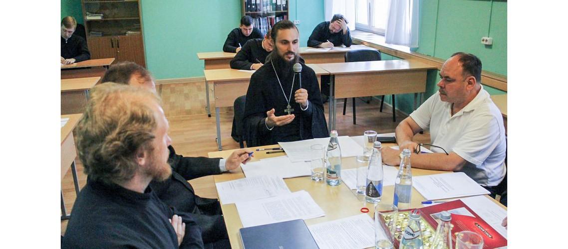 Представитель МДА принял участие в приеме итогового междисциплинарного экзамена в Николо-Угрешской семинарии
