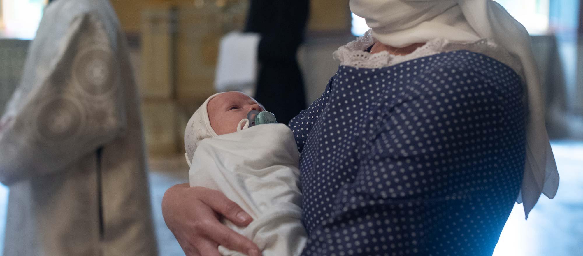 В академическом храме архиепископ Амвросий совершил Таинство Крещения